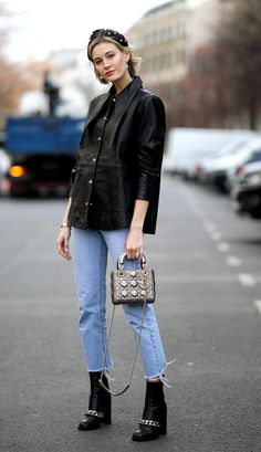 """8 """"Basic"""" Skinny-Jean Outfits That Actually Look Pretty Expensive - Street Style Outfits Jean Outfits, Chic Outfits, Fashion Outfits, Girl Fashion, Fashion Trends, Fashion Bloggers, Style Fashion, Fashion Tips, Outfit Jeans"""