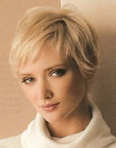 Pixie Haircuts for Fine Hair Over To look much younger than your age, you need to coordinate the choice of a new cut with your face shape. Check the images about Pixie Haircuts for Fi. Thin Straight Hair, Short Thin Hair, Short Hair With Bangs, Short Hair Cuts For Women, Short Hair Styles, Short Pixie, Short Blonde, Blonde Pixie, Long Curly