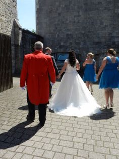 An English Toastmaster should be there to assist on your wedding day.