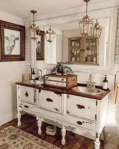 Woods and Whites from Walmart – The House on Winchester - DIY Badezimmer Dekor French Country Bedrooms, French Country House, French Country Decorating, French Country Bathroom Ideas, French Bathroom Decor, Baños Shabby Chic, Primitive Bathrooms, Country Bathrooms, Farmhouse Bathrooms