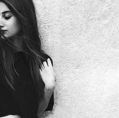Dpz for girls Creative Portrait Photography, Teenage Girl Photography, Portrait Photography Poses, Photography Poses Women, Indian Photography, Best Photo Poses, Girl Photo Poses, Stylish Photo Pose, Shotting Photo