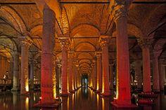 B - Basilika Cisterne (Yerebatan Sarayı/Sarnıcı). Istanbul