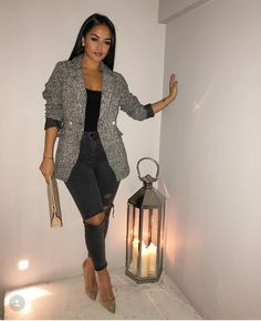 43 Incredibly Spring Outfits Ideas That Trend in 2019 # Best Picture For autumn outfits women school For Your Taste You are looking fo Fashion Night, Look Fashion, Autumn Fashion, Fashion Outfits, Womens Fashion, Feminine Fashion, Fashion Ideas, Classy Fashion, Fashion Quotes