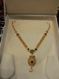 How To Clean Gold Jewelry With Vinegar Light Weight Gold Jewellery, Real Gold Jewelry, Gold Jewelry Simple, Golden Jewelry, Gold Jewellery Design, Indian Jewelry, Necklace Designs, Gold Necklace, Gold Designs