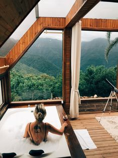 Luxury Travel Veja mais do mundo para menos Great Places, Places To Go, Architecture 101, Dream Bath, The Great Escape, Amazing Spaces, Simple House, How To Take Photos, Luxury Travel