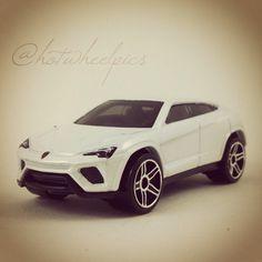 Lamborghini Urus - 2015 Hot Wheels - HW City - Street Power #hotwheels | #diecast | #toys | #Lamborghini | #hwp2015ml