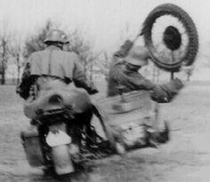 Mais uma sequência de fotos inusitadas de soldados alemães.