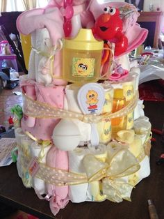 SUPER BABY DIAPER CAKE!!