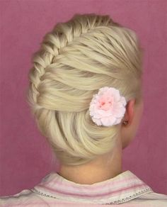 never tried this one but it looks very summer beautiful hairstyle