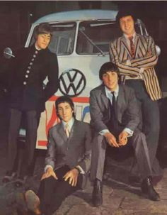 The Who ~ Roger Daltrey, Pete Townsend, Keith Moon & John Entwistle Rocked the Int'l Bus Meeting, celebrating 60 years of the Volkswagen Bus - photo of The Who next to a 1968 VW Kombi Bus Rock N Roll, Rock & Pop, 60s Music, Music Icon, Blue Soul, T3 Vw, Volkswagen Bus, Combi T1, Vw Camping