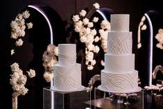 Black on White Luxury Wedding Cake, Beautiful Wedding Cakes, Wedding Cake Inspiration, Intimate Weddings, Pillar Candles, Most Beautiful, Photography, Black, Photograph