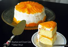 Peaches and Cream Cake.I like the way the use the frosting to keep the peaches from making the cake soggy. Baking Recipes, Cake Recipes, Dessert Recipes, Peaches And Cream Cake Recipe, Baker Street, Old Cake Recipe, Cake Fillings, Cake Flavors, Cupcake Cakes
