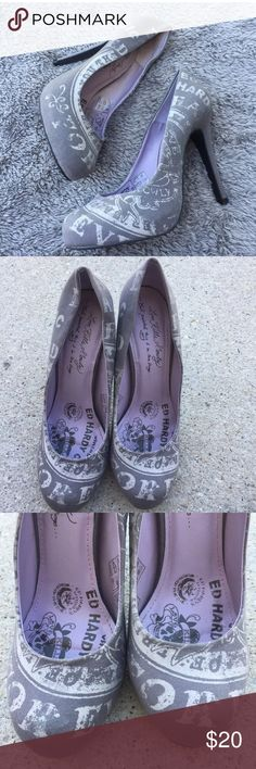 Ed Hardy Graphic Print Gray High Heel Pumps Size 7 Great preowned condition.  Some wear on soles. Ed Hardy Shoes Heels