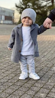 Dyosa Queen G Baby Boy Fashion, Fashion Kids, Toddler Fashion, Baby Boy Outfits, Kids Outfits, Moda Chic, Insta Look, Moda Fashion, Girl With Hat