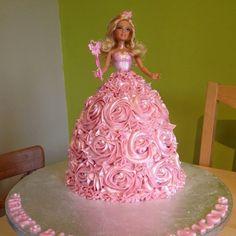 Barbie princess cake - love the flower skirt - no website link Barbie Doll Birthday Cake, Barbie Torte, Bolo Barbie, 4th Birthday Cakes, Barbie Cake, Birthday Ideas, Ballerina Cakes, Easy Cake Decorating, Dress Cake
