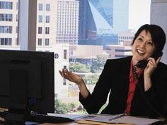 Viele Arbeitgeber setzten Telefoninterviews inzwischen als Vorstufe zu einem persönlichen Vorstellungsgespräch ein. Daher gilt: Ein Telefoninterview ist ein kleines Bewerbungsgespräch – und muss entsprechend ernst genommen werden.    http://karrierebibel.de/callcenter-30-tipps-wie-das-bewerbungstelefonat-gelingt/