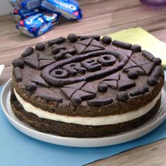 Which cookie would you want to make into a giant version? Creative Desserts, Cute Desserts, Delicious Desserts, Yummy Food, Giant Oreo Cookie Recipe, Oreo Cookie Cake, Fun Baking Recipes, Milk Recipes, Dessert Recipes