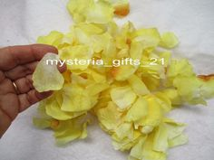 TABLE SCATTER ROSE FABRIC PETALS *YELLOW ARTIFICIAL APPROX 450 PCS
