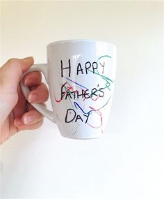 Make your own personalised mugs this Father's Day! | http://www.tobyandroo.com/make-personalised-mugs-fathers-day/