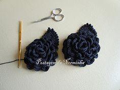 Crochet Rose Chart & Tutorial @ http://oficinadobarrado.blogspot.com/2012/01/rosas-negras-em-forma-de-broches-foram.html