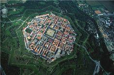 Neuf-Brisach (40 citadelles Vauban vues du ciel)