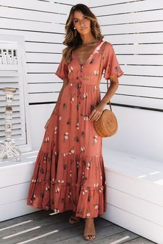 Hard To Miss Maxi Dress Rose Source by sleeves maxi dress Modest Outfits, Modest Fashion, Boho Fashion, Fashion Dresses, Maxi Outfits, Chic Dress, Boho Dress, Dress Beach, Cute Dresses