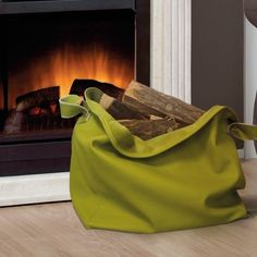 "LOA S  is the soft bag where you can store your firewood, this product belongs to our last collection ""LINEA MORBIDA""."