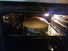 A hagyományos piskótánál is légiesebb, selymesebb! Többször megsütöttem és mindig szép magas lesz, nem esik össze! A legfinomabb torták ebből a piskótából készíthetőek! Hozzávalók: 6 tojás 6 evőkanál liszt 6 evőkanál cukor 1 csomagsütőpor 10 dkg vaj 1 csipet só Elkészítése: A vajat, a tojások sárgáját és a cukrot tálba tesszük és robotgéppel habosra kavarjuk. …