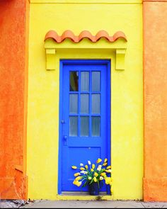 Bright Blue Door Entrance Ideas For 2019 Cool Doors, Unique Doors, Entrance Doors, Doorway, Front Doors, House Entrance, Mellow Yellow, Blue Yellow, When One Door Closes
