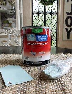 How to Paint a Laminate Kitchen Table Refinishing Kitchen Tables, Painted Kitchen Tables, Kitchen Furniture, Painting Laminate Furniture, Painted Furniture, Furniture Redo, Diy Furniture Renovation, Sectional Slipcover, Solid Wood Table
