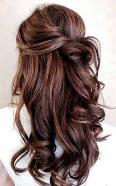 You believe a messy hairstyle can ruin your prom night. Yes you are right! Appropriate prom hairstyle can surely make your day.. If you have short hair here are 5 prom hairstyles for short hair. #hairstraightenerbeauty #PromHairstylesForShortHairupdo #PromHairstylesForShortHairhalfup #PromHairstylesForShortHairvintage #PromHairstylesForShortHairbobs