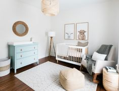 A Simple, Neutral Nursery Designed With Growth in Mind – Mud and Magnolias - Babyzimmer Ideen Baby Nursery Decor, Nursery Themes, Nursery Room, Girl Nursery, Nautical Nursery, Elephant Nursery, Ikea Nursery, Baby Room Wall Decor, Baby Room Themes