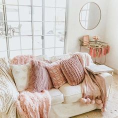 Couch, living room, girly living room, pink and white living room, blush living … – Decoration ideas Blush Living Room, Living Room Bar, Living Room White, Cozy Living Rooms, Living Room Furniture, Beige Couch, College Living Rooms, Apartment Living, Apartment Ideas