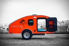 Weighing in at under 1,200 pounds yet still offering everything you need for a short stay in the wilderness, the Timberleaf Camping Trailer is a smart alternative to traditional campers. The exterior is made from anodized aluminum, with colors on...