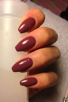 EASY BALLERINA SHAPED GEL NAILS WITH MAROON COLOR