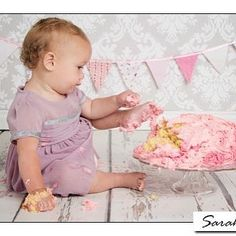 Sometimes when you are getting really into your birthday cake just your hands are not enough.  Always good to get an extra limb or two in there! #cakesmash #cakesmashphotography #sussex #photography