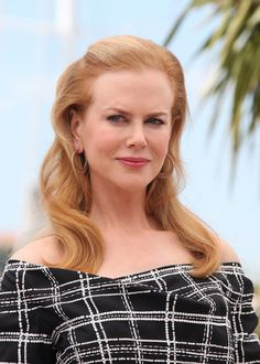 Nicole Kidman Photos - Nicole Kidman at the 'Hemingway and Gellhorn' photocall at the Cannes Film Festival in France. - 'Hemingway and Gellhorn' Photocall at Cannes Hair Makeup, Men Makeup, Witch Makeup, Clown Makeup, Skull Makeup, Costume Makeup, Makeup Ideas, Beautiful People, Beautiful Women