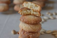 Soft Amaretto Cookies - Soft amaretto cookies prepared only with almonds and no flour.