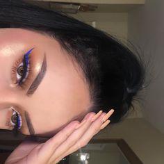 10 Ultimate Summer Makeup Trends That Are Hotter Than The Summer Days Cat Eye Makeup, No Eyeliner Makeup, Blue Eye Makeup, Makeup For Brown Eyes, Skin Makeup, Blue Eyeliner Looks, Makeup Trends, Makeup Inspo, Makeup Inspiration