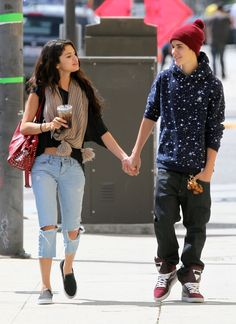 Justin Bieber Selena Gomez, Justin Bieber And Selena, Justin Bieber Relationship, Graphic Design Lessons, Celebrity Couples, Hipster, Punk, My Style, Celebrities