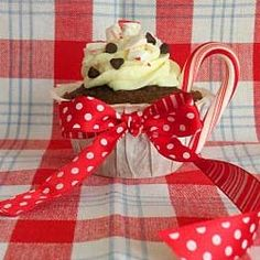 Peppermint-hot-chocolate-cupcakes, yum
