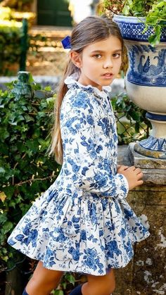 Possible back to tadah pleatie dress, lengthen bodice and add ruffle skirt? Beautiful Little Girls, Cute Little Girls, Little Girl Dresses, Cute Kids, Girls Dresses, Fashion Kids, Little Girl Fashion, Fall Fashion, Mode Junior