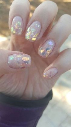 Semi-permanent varnish, false nails, patches: which manicure to choose? - My Nails Foil Nail Art, Foil Nails, Cute Nails, Pretty Nails, Hair And Nails, My Nails, Dark Nails, Neon Nails, Holographic Nails