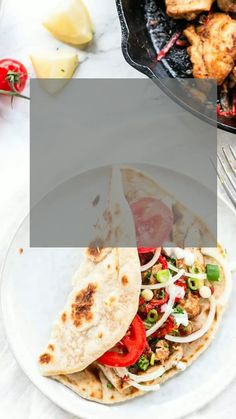 This is the best chicken shawarma wrap served with homemade gyro bread. A tasty wrap filled with chicken shawarma. Recipes With Naan Bread, Flatbread Recipes, Great Dinner Recipes, Healthy Dinner Recipes, Shawarma Bread, Shawarma Seasoning, Bread Recipe Video, Chicken Burritos, Dinners To Make