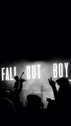 Fall Out Boy Mania Pc Wallpaper Tumblr Iphone Wallpapers Black And White Buscar Con