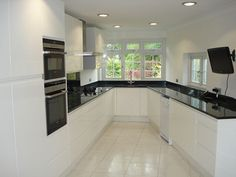 Rugby-High-Gloss-White-Fitted-Kitchen.jpg 710×533 pixels