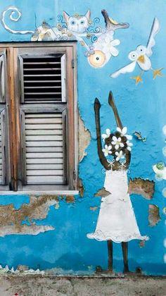 Een mooie muurschildering op een van de vele felgekleurde huizen op Curaçao. Murals Street Art, Art Mural, Street Art Graffiti, Beautiful Islands, Beautiful World, Kingdom Of The Netherlands, Southern Caribbean, Caribbean Netherlands, Caribbean Vacations