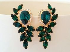 You are going to buy this? Emerald Earrings Emerald Green Large Bridal Earrings Swarovski Crystal… Bogoff Leaf Earrings with Emerald Green Sapphire Earrings, Emerald Jewelry, Emerald Green Earrings, Diamond Jewelry, Opal Jewelry, Glass Jewelry, Turquoise Jewelry, Silver Jewelry, Statement Earrings