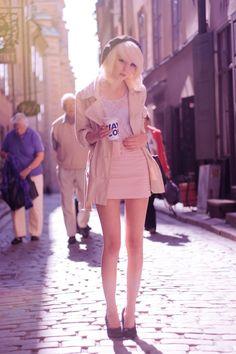 SHELLEY from Stockholm, Sweden. Fashion & Lifestyle Blogger. Blog: shelleyochjoachim.blogg.se