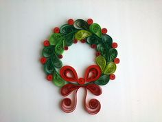 Make a Beautiful Quilled Christmas Wreath